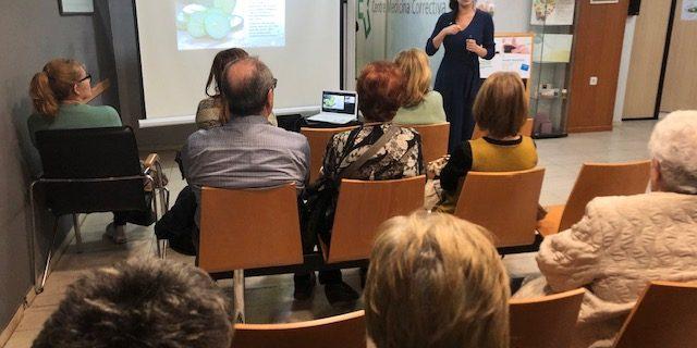 Gran èxit de la xerrada a càrrec de la terapeuta Cristina Bellido